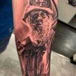 Nearest tattoo studio Gomez