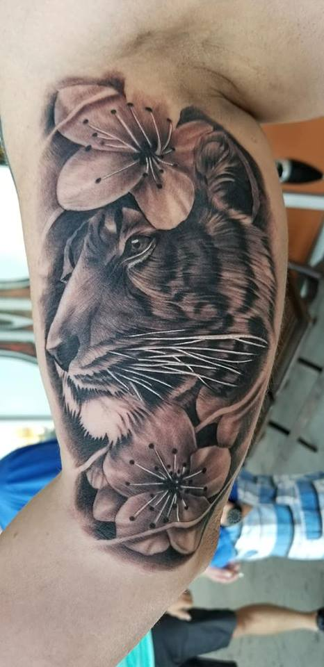 Tattoo parlor Boise McNabb