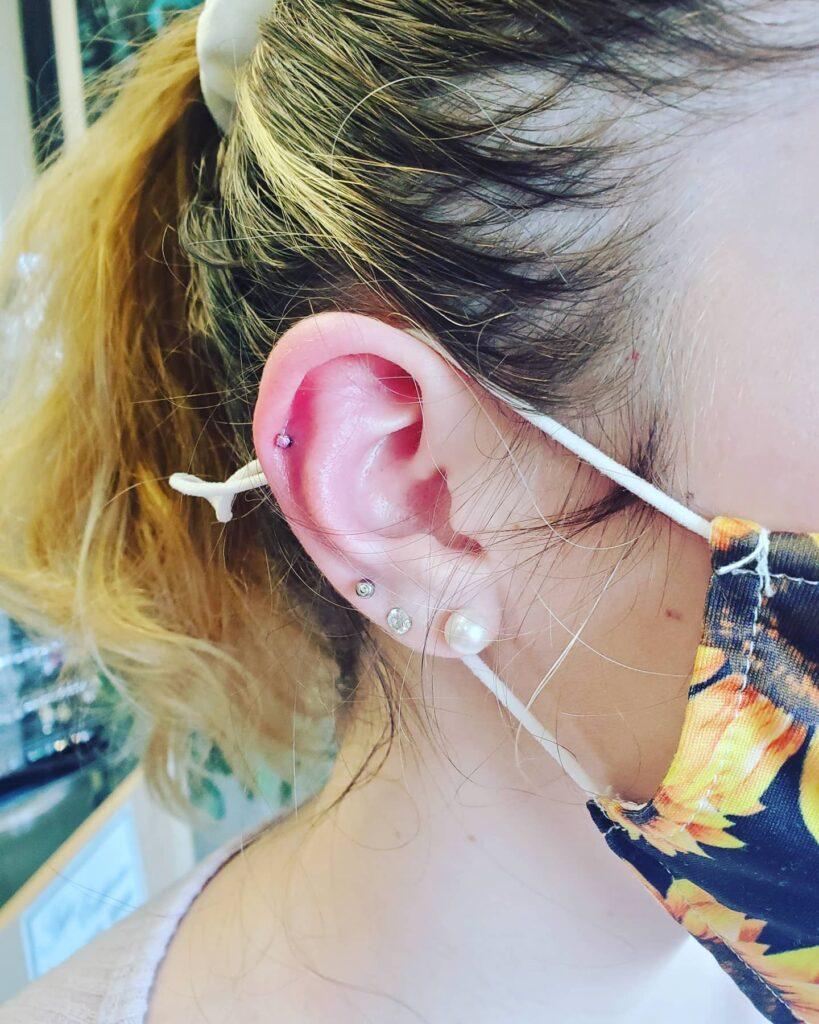 upper and lower lobe piercing